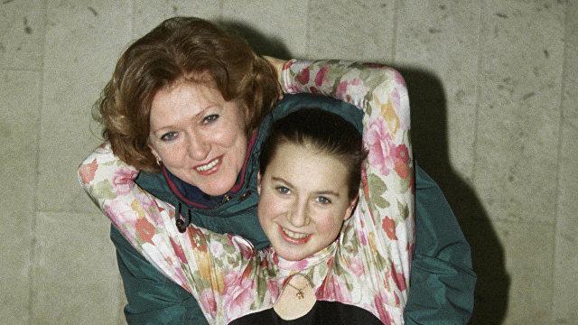 Ирина Слуцкая (справа) со своим тренером Жанной Громовой (слева)