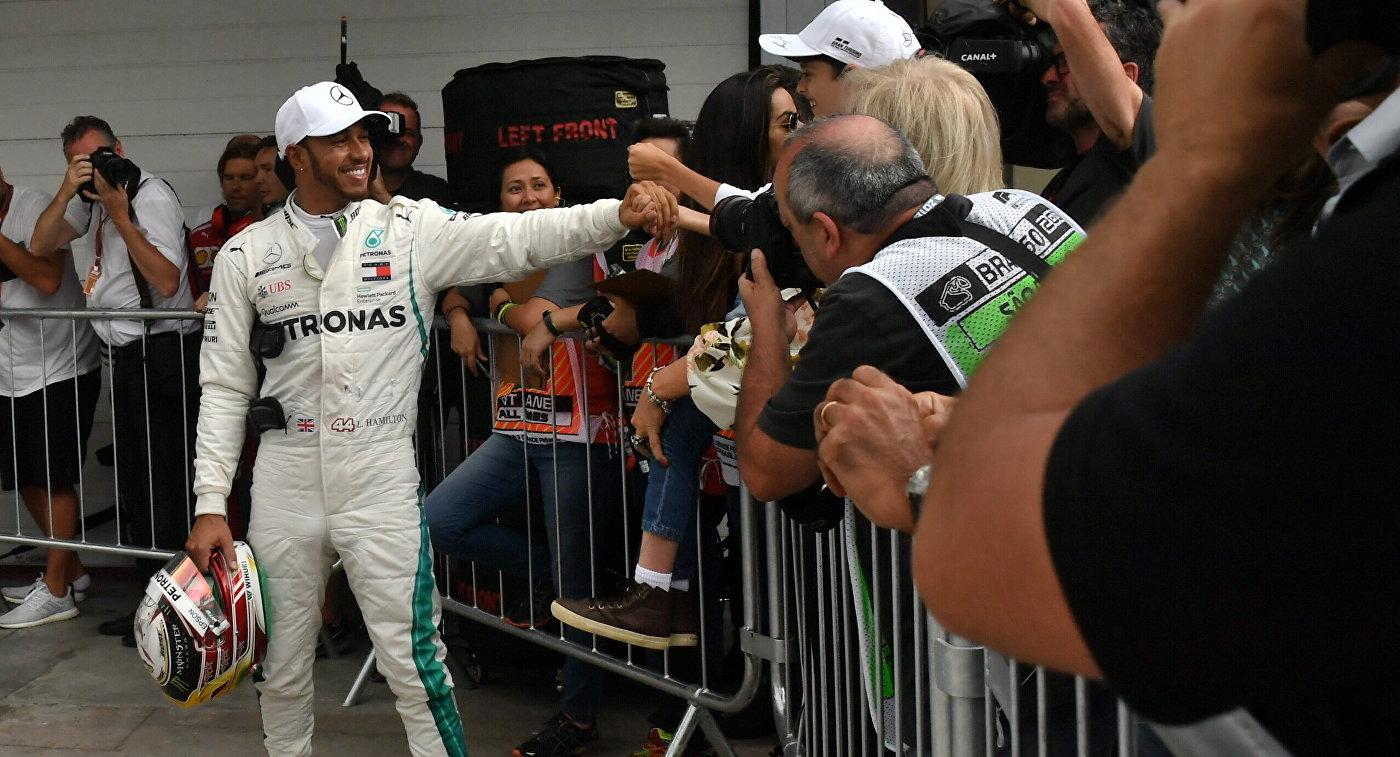 Хэмилтон выиграл квалификацию Гран-при Бразилии, Сироткин – 15-й