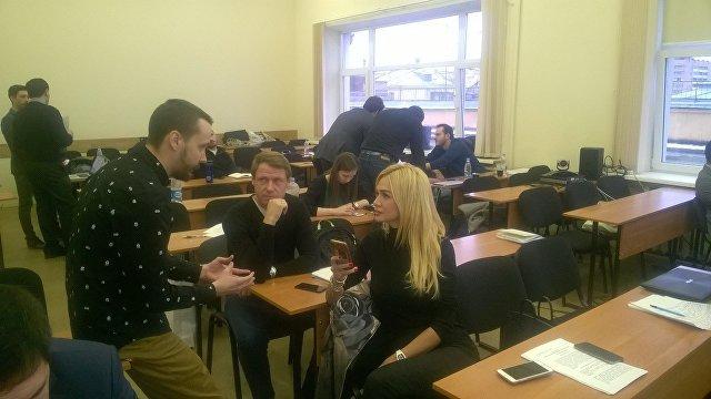 Олег Кононов и Виктория Лопырева