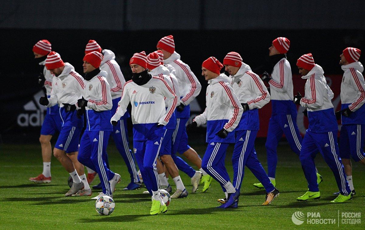 Испытание травмами и холодом: сборная России покидает Новогорск