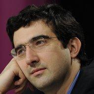 Экс-чемпион мира по шахматам Владимир Крамник на пресс-конференции перед матчем с Вишванатаном  Анандом