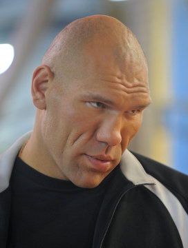Боксер Валуев стал телеведущим