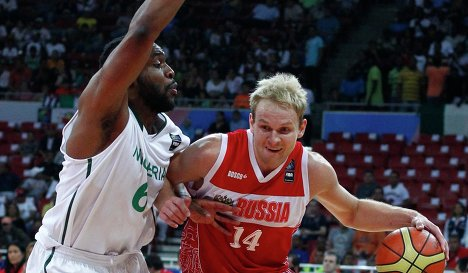 Игровой момент матча Россия - Нигерия