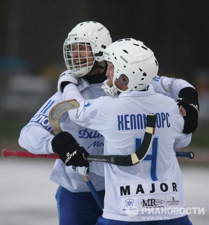 Игровой момент матча Динамо-Москва - Зоркий