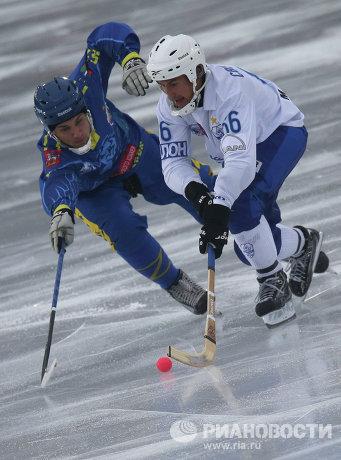 Денис Котков (слева) и Михаил Свешников