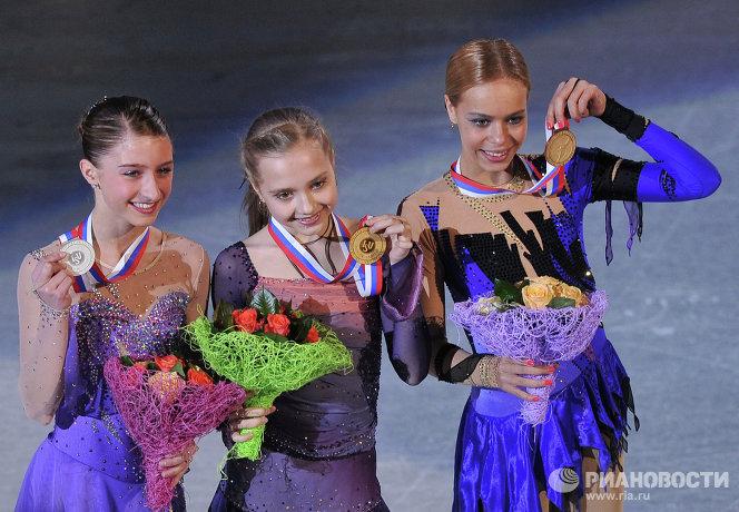 Ханна Миллер, Елена Радионова и Анна Погорилая (слева на право)
