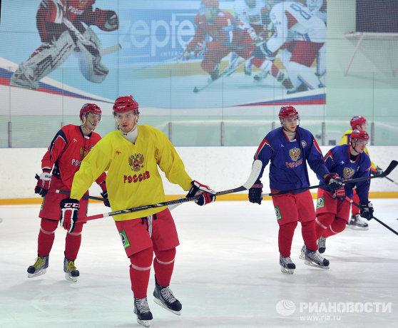 Михаил Григоренко и Ярослав Косов (слева направо на первом плане)