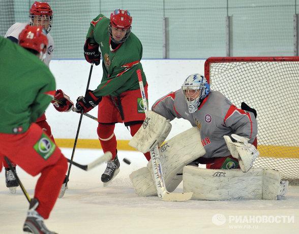 Андрей Василевский (справа)
