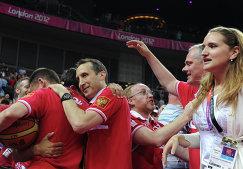 В центре - бывший главный тренер сборной России Дэвид Блатт.