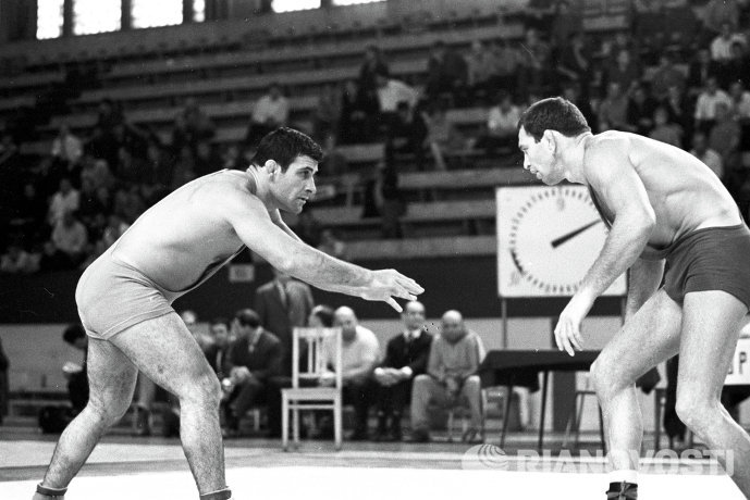 Борис Гуревич (справа)