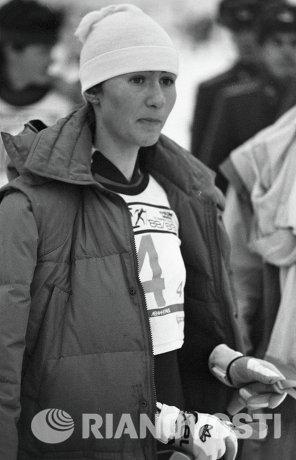 Елена Вяльбе перед стартом 4-го этапа Кубка мира по лыжным гонкам