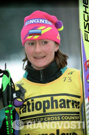 Елена Вяльбе во время Кубка мира по лыжным гонкам