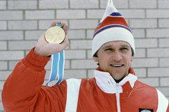 Биатлонист А.Тихонов