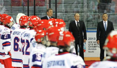 Владимир Путин посетил открытие юниорского ЧМ по хоккею в Сочи