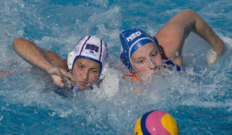 Россиянка Екатерина Прокофьева (слева) и голландка Лейке Клаассен