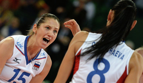 Волейболистки сборной России Татьяна Кошелева и Наталья Обмочаева (справа)