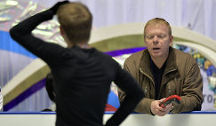 Россиянин Сергей Воронов (на первом плане) и тренер Сергей Дудаков