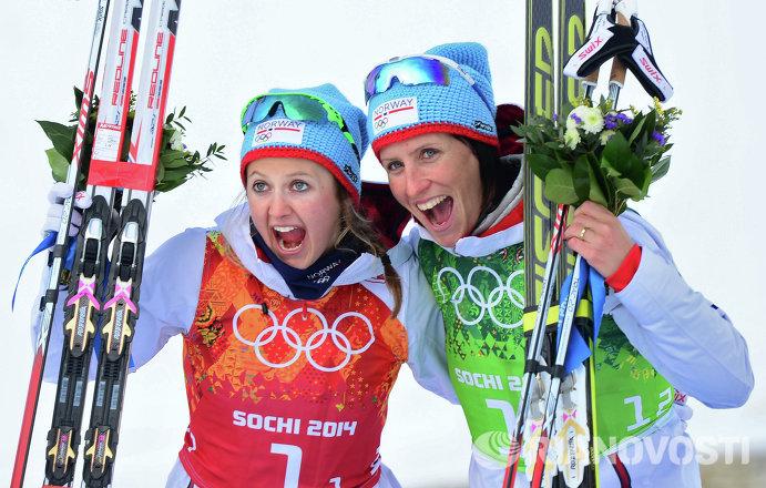 Ингвильд Флугстад Эстберг и Марит Бьерген (слева направо)