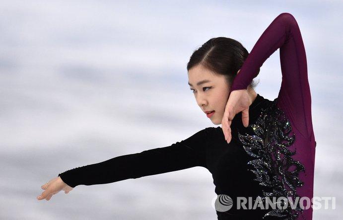 Ким Ю На (Южная Корея) выступает в произвольной программе женского одиночного катания
