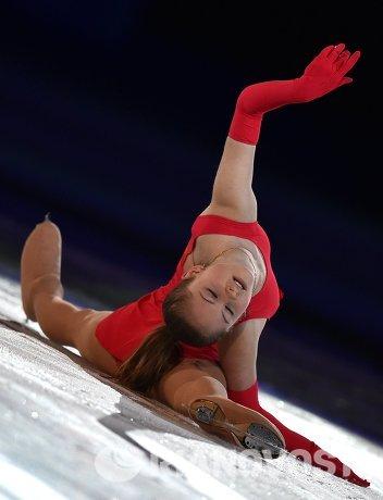 Юлия Липницкая (Россия) во время показательного выступления на XXII зимних Олимпийских играх в Сочи