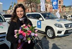 Российская фигуристка Елена Ильиных во время церемонии вручения автомобилей призерам Олимпийских игр в Сочи