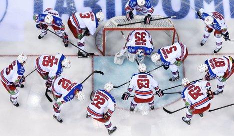 Хоккеисты Льва