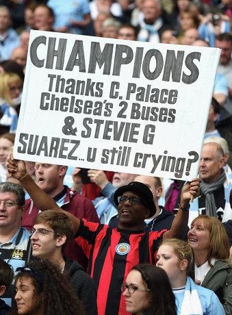 Фанат Манчестер Сити на матче с Вест Хэмом
