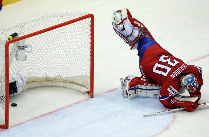 Голкипер сборной Норвегии по хоккею Ларс Хауген