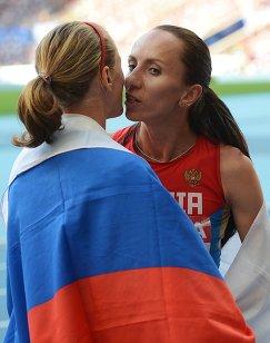 Екатерина Поистогова и Мария Савинова (слева направо)