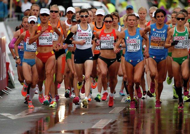 Спортсменки на марафонской дистанции во время ЧЕ-2014 по легкой атлетике