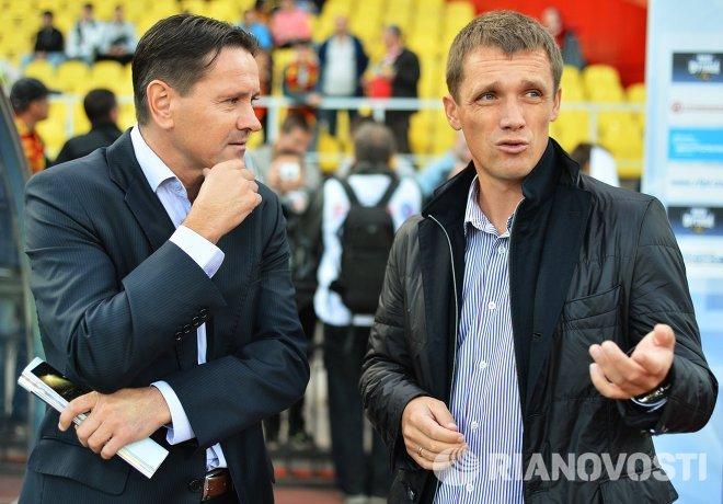 Главный тренер ПФК Арсенал Дмитрий Аленичев (слева) и главный тренер ФК Кубань Виктор Ганчаренко