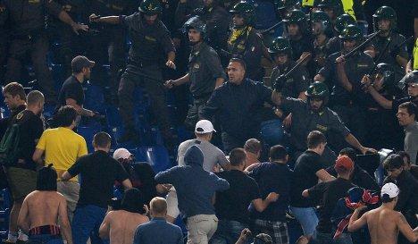 Драка болельщиков ЦСКА с персоналом стадиона