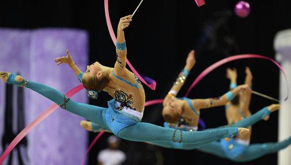 Команда России выступает на чемпионате мира по художественной гимнастике
