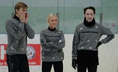Фигуристы Томаш Вернер, Екатерина Гербольд и Джонни Вейр (слева направо)