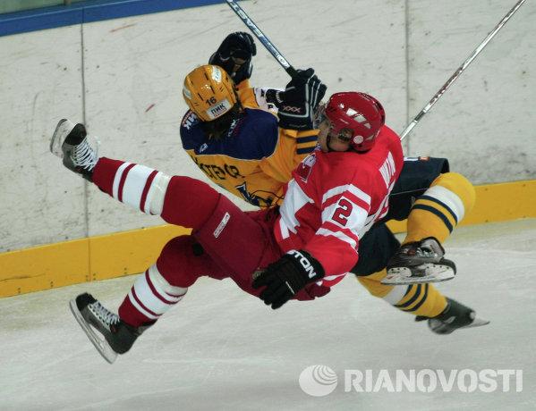 Игровой момент матча Спартак - Атлант