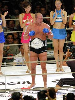 Федор Емельяненко после боя за звание чемпиона в тяжелом весе PRIDE