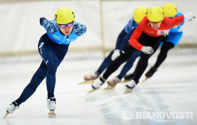 Виктор Ан на дистанции 1500 м