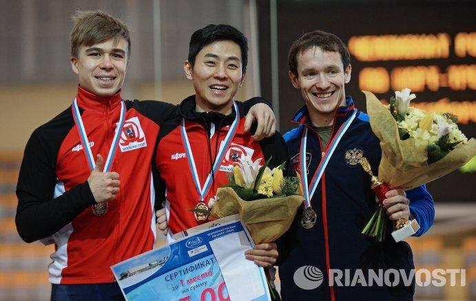 Семен Елистратов - второе место, Виктор Ан - первое место, Руслан Захаров - третье место