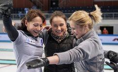 Игроки женской сборной команды Россия-1 Екатерина Галкина, Анна Сидорова, Маргарита Фомина (слева направо)