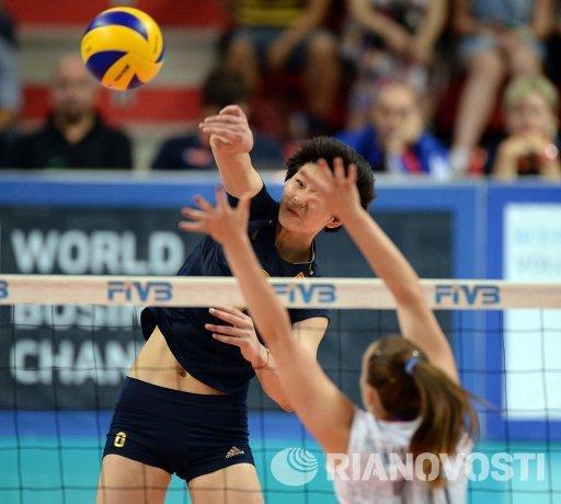 Нападающая сборной Китая по волейболу Цинцин Ду