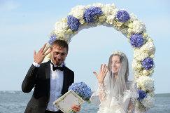 Российский биатлонист Антон Шипулин и Луиза Сабитова