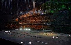 Презентация Олимпиады 2018 в корейском Пхенчхане во время церемонии закрытия XXII зимних Олимпийских игр в Сочи.