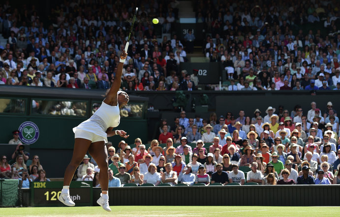 Серена Уильямс в полуфинальном матче Уимблдона