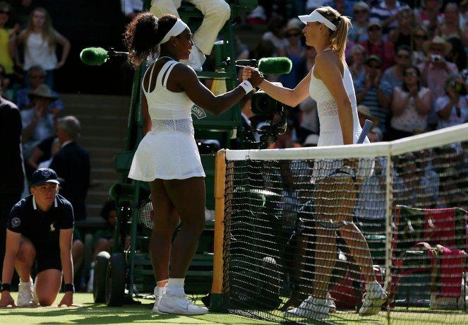 Серена Уильямс (слева) и Мария Шарапова