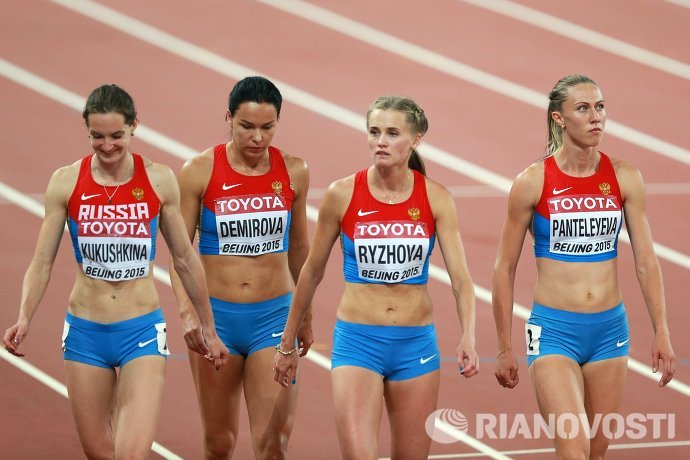Анна Кукушкина, Елизавета Демирова, Ксения Рыжова и Марина Пантелеева (слева направо)