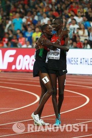 Асбель Кипроп (Кения) и Элайджа Мотоней Манангой (Кения) (слева направо)