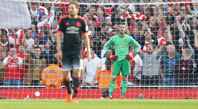 Реакция голкипера Манчестер Юнайтед Давида Де Хеа после третьего пропущенного мяча от Арсенала