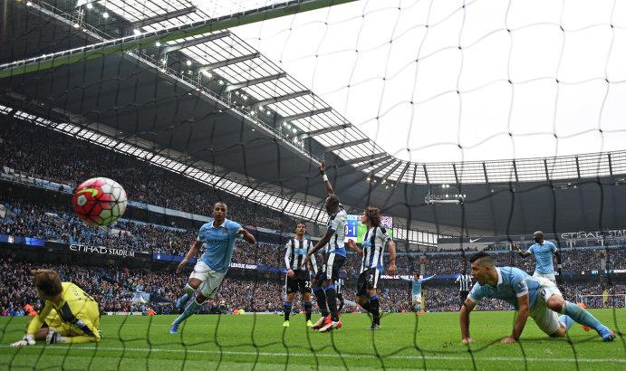 Игровой момент матча Манчестер Сити - Ньюкасл