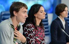 Сергей Шубенков, Елена Исинбаева, Анна Чичерова (слева направо)
