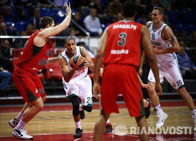Игровой момент матча Локомотив-Кубань - Жальгирис